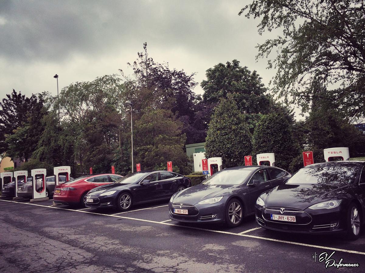 Tesla Model S P90D road trip