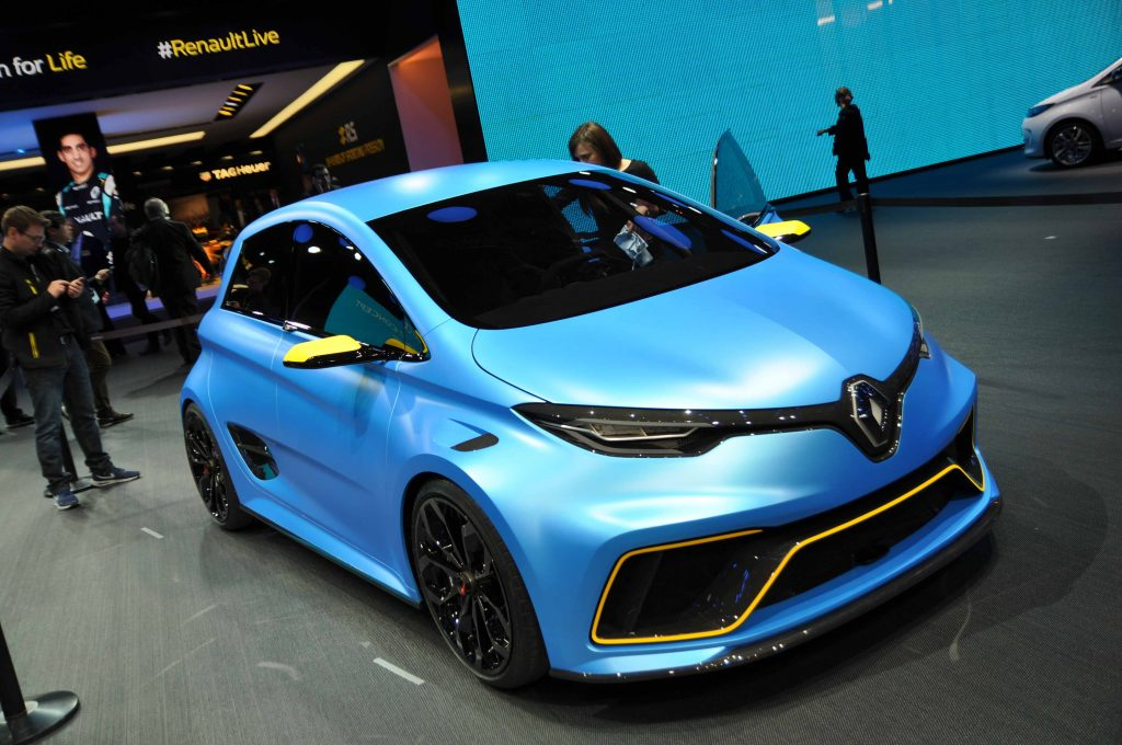 geneva 39 17 here s why the zoe e sport is the most important car of the show ev performance. Black Bedroom Furniture Sets. Home Design Ideas