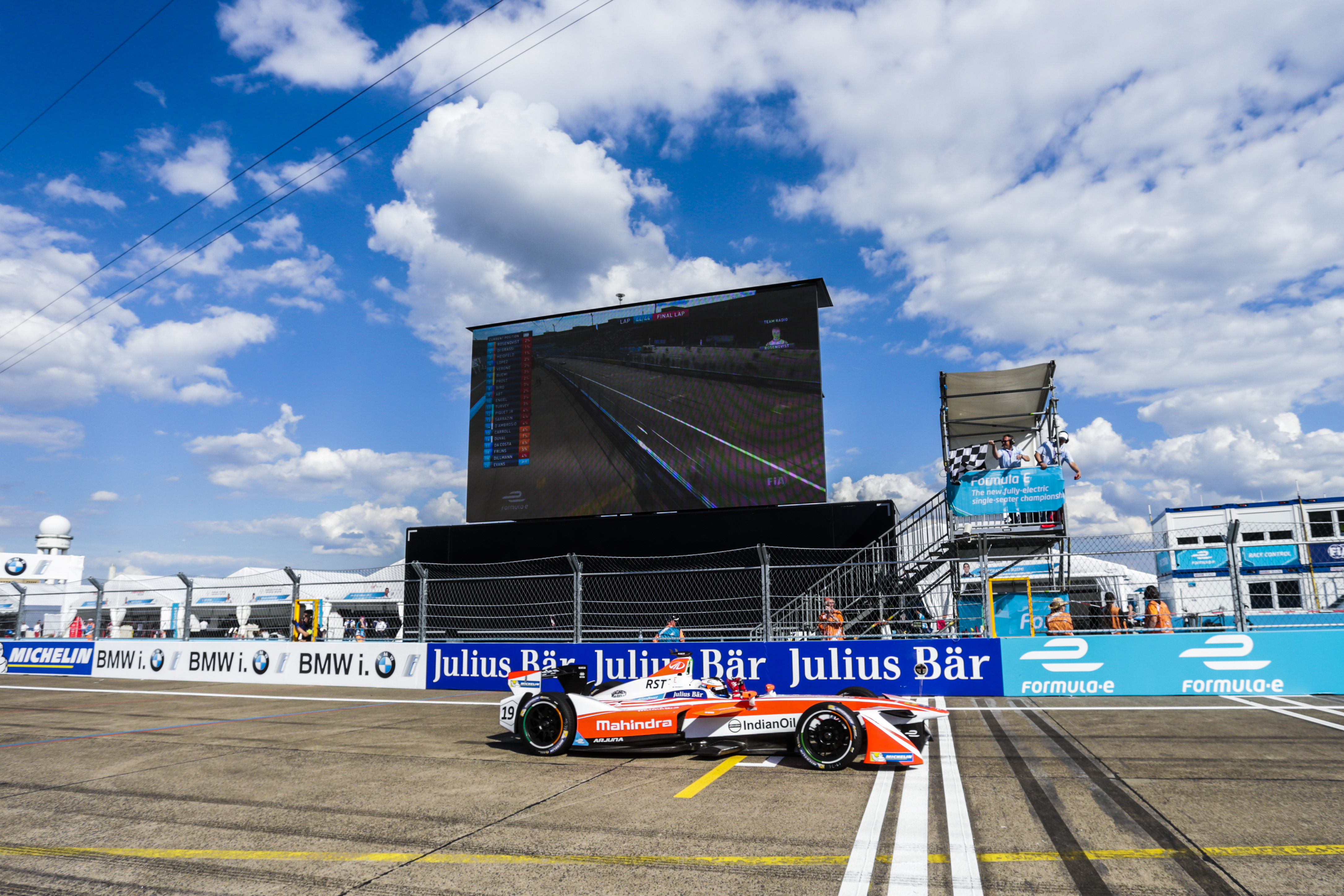 Berlin ePrix Qualifying: Rosenqvist Delivers Pole for Mahindra