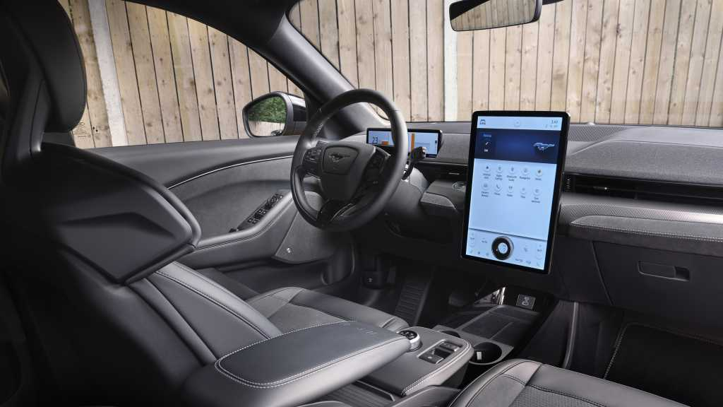 Ford Mustang Mach-E GT 15.5-inch full HD touch display