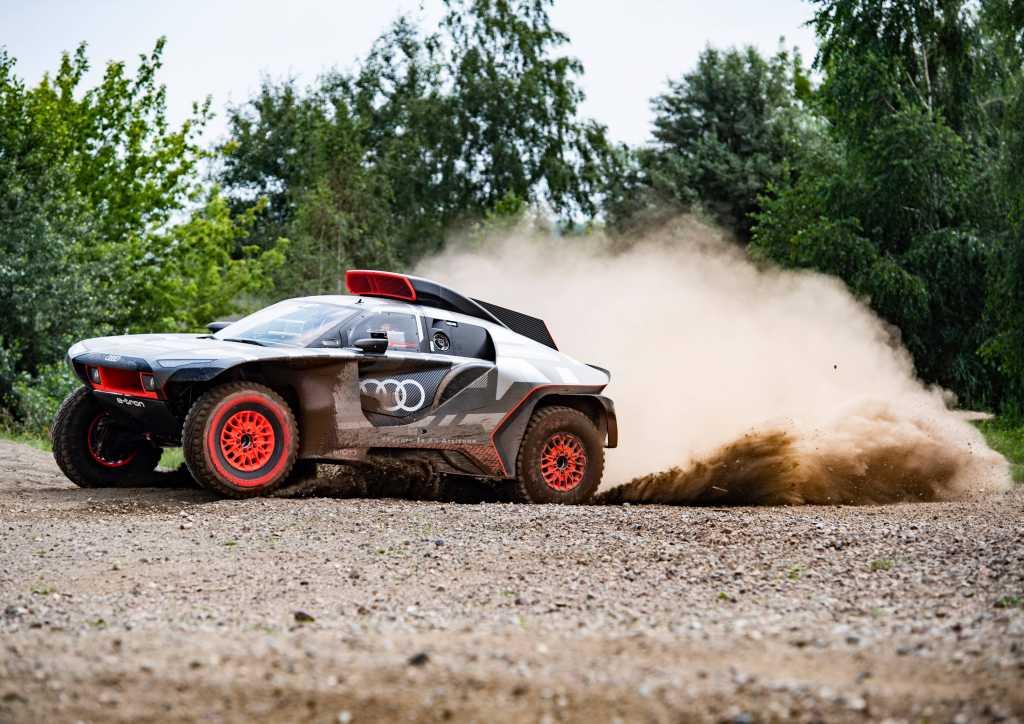 Road to Dakar - Audi's RS Q e-tron